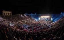 MUSICA: 2CELLOS, FESTA PER 12MILA ALL'ARENA DI VERONA